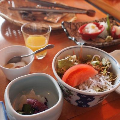 石花海 朝食 サラダ