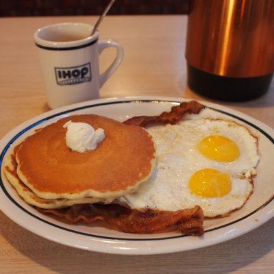 ihop2×2×2セット パンケーキ2枚卵2個ベーコン2枚のセット