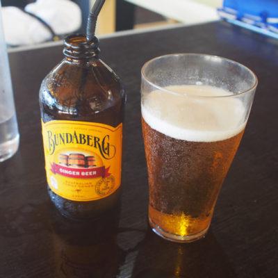 フィッツロイ島 バーレストラン フォクシー ビール