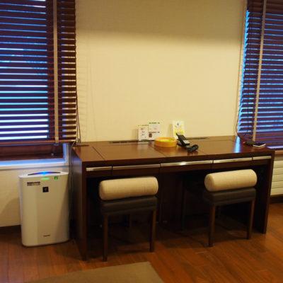 定山渓鶴雅リゾートスパ 森の謌 デラックスツイン テーブル