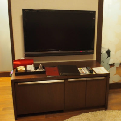 定山渓鶴雅リゾートスパ 森の謌 デラックスツイン テレビ