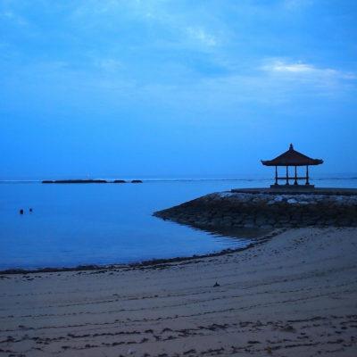 kayumanis-nusa-dua-hotel-beach