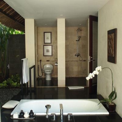 kayumanis-nusa-dua-hotel-bath-room