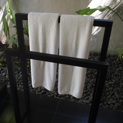 kayumanis-nusa-dua-hotel-bath-towel