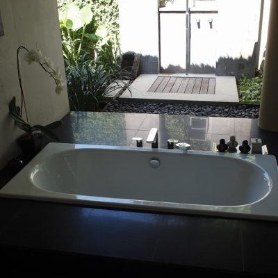 kayumanis-nusa-dua-hotel-bathtub