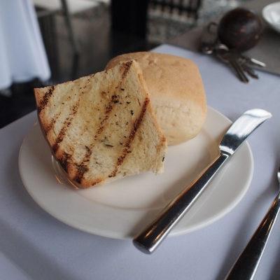 kayumanis-nusa-dua-restaurant-bread