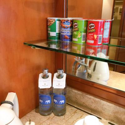 シャングリラホテルバンコククルンテープ お水とスナック