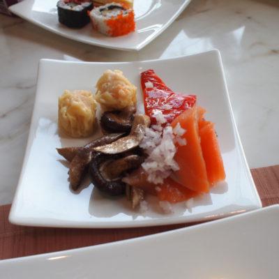 シャングリラホテルバンコク ラウンジ朝食 キノコのマリネ